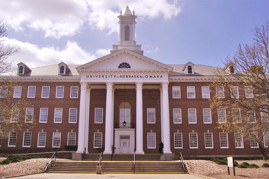 ネブラスカ大学オマハ校の外観写真